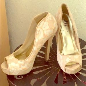 Shi by journeys high heels.